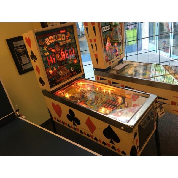Bally Hi Deal arcade pinball machine made in 1975 - image 1