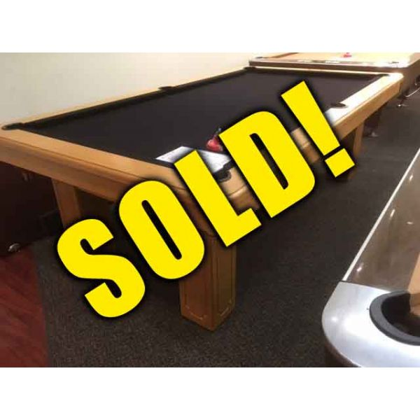 Great value deal on 4 x 8 Champlain Billiard brand used vintage pool table - 8