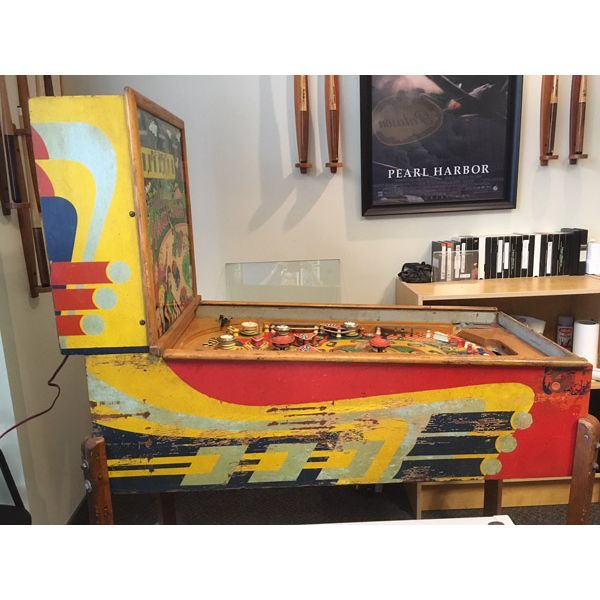 Williams Struggle Buggies 1953 vintage antique flipper woodrail pinball machine with maple wood rail set and original legs - image 10