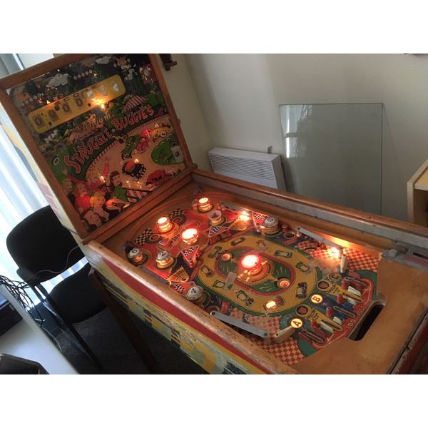 Williams Struggle Buggies 1953 vintage antique flipper woodrail pinball machine with maple wood rail set and original legs - image 5