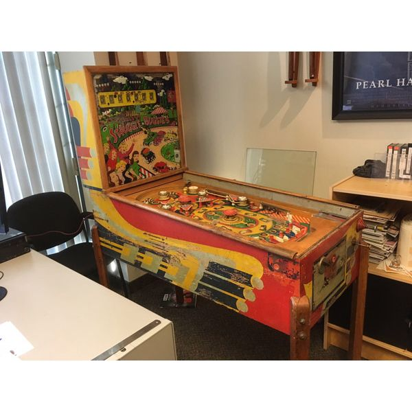 Williams Struggle Buggies 1953 vintage antique flipper woodrail pinball machine with maple wood rail set and original legs - image 1
